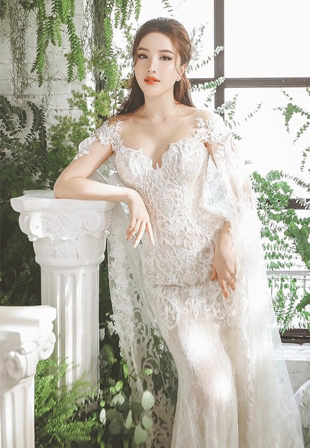 Bảo Thy khoe 3 mẫu váy cưới lộng lẫy, trong đó có 1 bộ phảng phất thiết kế kinh điển của Công nương Kate - Ảnh 2.