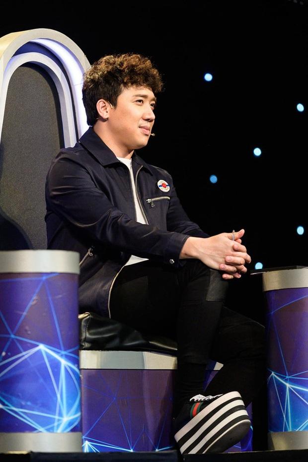 Fan club giày độn đế: Nào chỉ có 2 chú rể hot nhất tháng 11, Vbiz còn có nguyên dàn nam nhân cực kỳ mê giày tăng chiều cao - Ảnh 2.