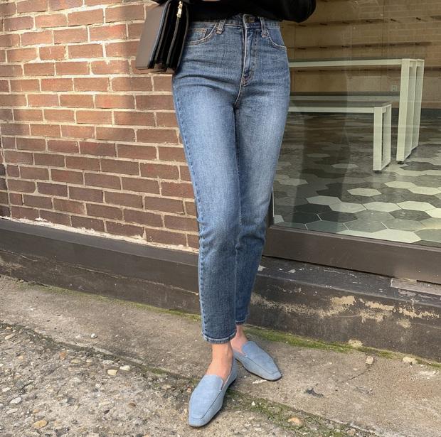 Diện quần jeans, chưa chắc là bạn đã có vẻ ngoài sành điệu nếu không mix với 4 mẫu giày sau đây - Ảnh 13.