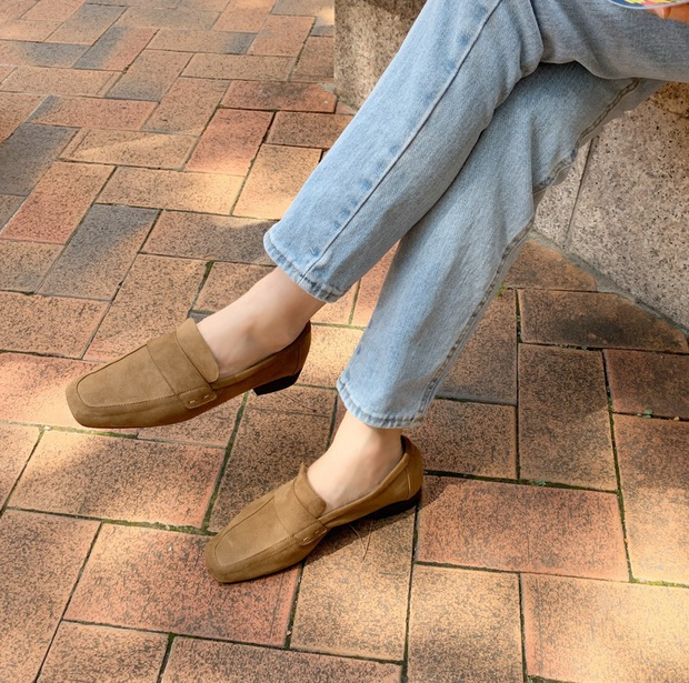 Diện quần jeans, chưa chắc là bạn đã có vẻ ngoài sành điệu nếu không mix với 4 mẫu giày sau đây - Ảnh 14.