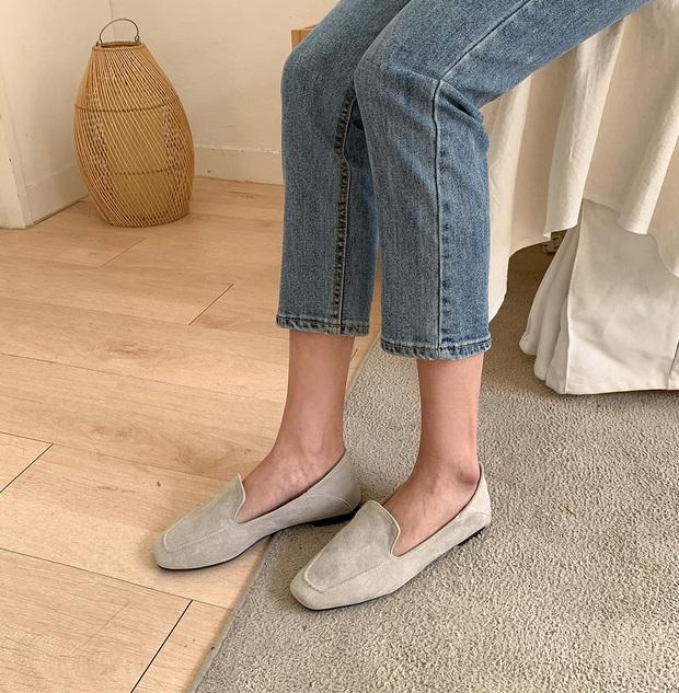 Diện quần jeans, chưa chắc là bạn đã có vẻ ngoài sành điệu nếu không mix với 4 mẫu giày sau đây - Ảnh 15.
