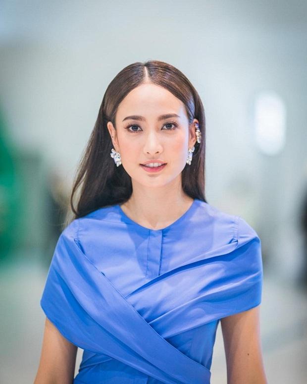 Dàn mỹ nhân Thái lột xác khi diện đồng phục học sinh: Baifern, Taew quá xinh nhưng chưa đỉnh bằng chị đại trường học - Ảnh 16.
