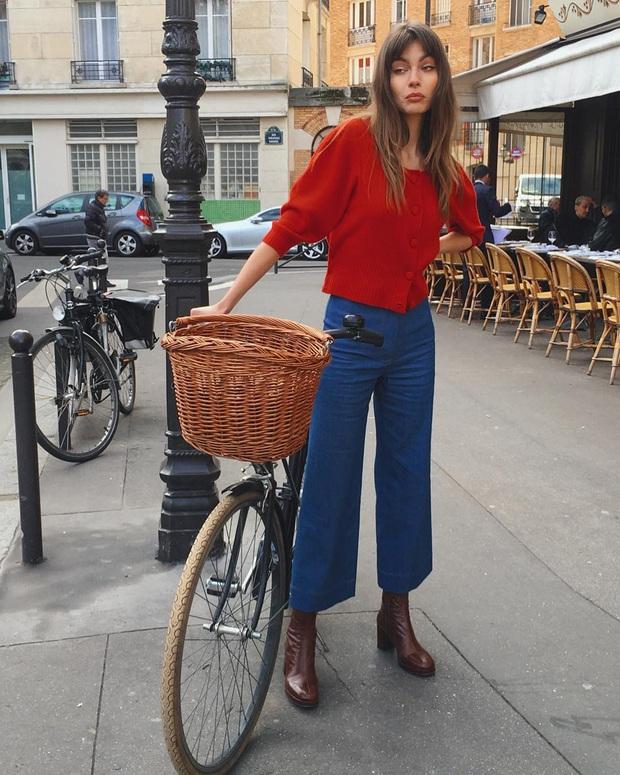 Không thể kìm lòng trước 5 cách diện áo len đẹp xỉu của phụ nữ Pháp, bạn sẽ muốn áp dụng bằng hết mới được - Ảnh 20.