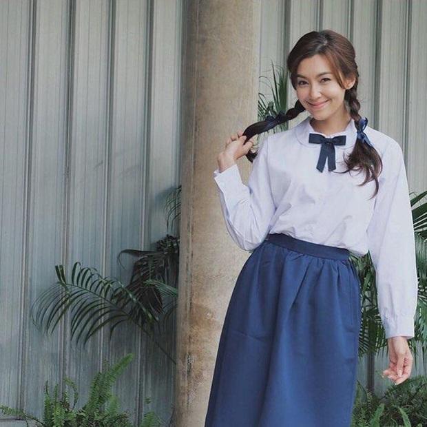 Dàn mỹ nhân Thái lột xác khi diện đồng phục học sinh: Baifern, Taew quá xinh nhưng chưa đỉnh bằng chị đại trường học - Ảnh 19.