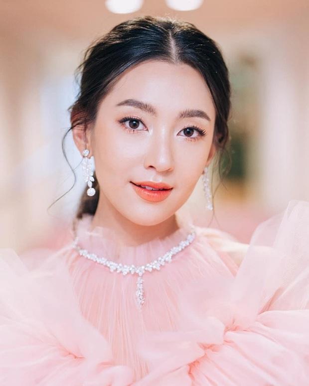 Dàn mỹ nhân Thái lột xác khi diện đồng phục học sinh: Baifern, Taew quá xinh nhưng chưa đỉnh bằng chị đại trường học - Ảnh 22.