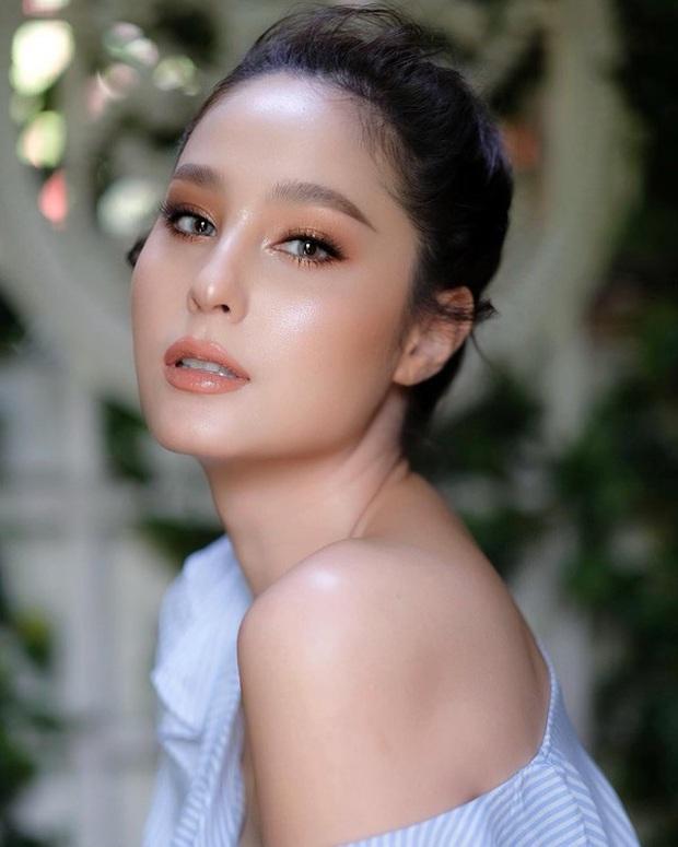 Dàn mỹ nhân Thái lột xác khi diện đồng phục học sinh: Baifern, Taew quá xinh nhưng chưa đỉnh bằng chị đại trường học - Ảnh 32.