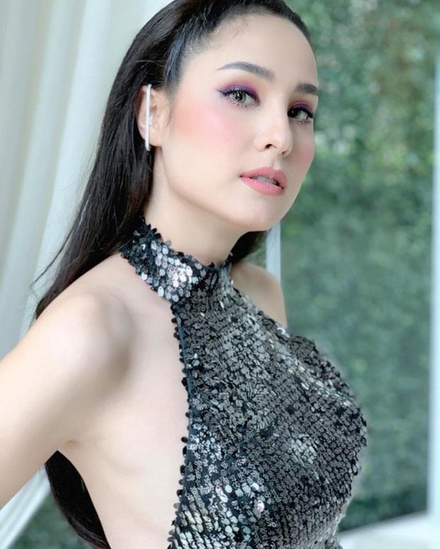 Dàn mỹ nhân Thái lột xác khi diện đồng phục học sinh: Baifern, Taew quá xinh nhưng chưa đỉnh bằng chị đại trường học - Ảnh 33.