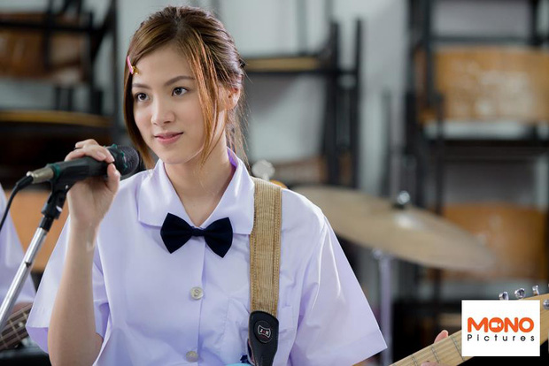 Dàn mỹ nhân Thái lột xác khi diện đồng phục học sinh: Baifern, Taew quá xinh nhưng chưa đỉnh bằng chị đại trường học - Ảnh 5.