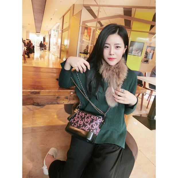 Em chồng Đông Nhi: Diện áo dài hồng ngọt ngào, tay xách túi hơn 100 triệu nhưng nhan sắc tuổi 30 mới là điều dân tình ngưỡng mộ nhất - Ảnh 7.