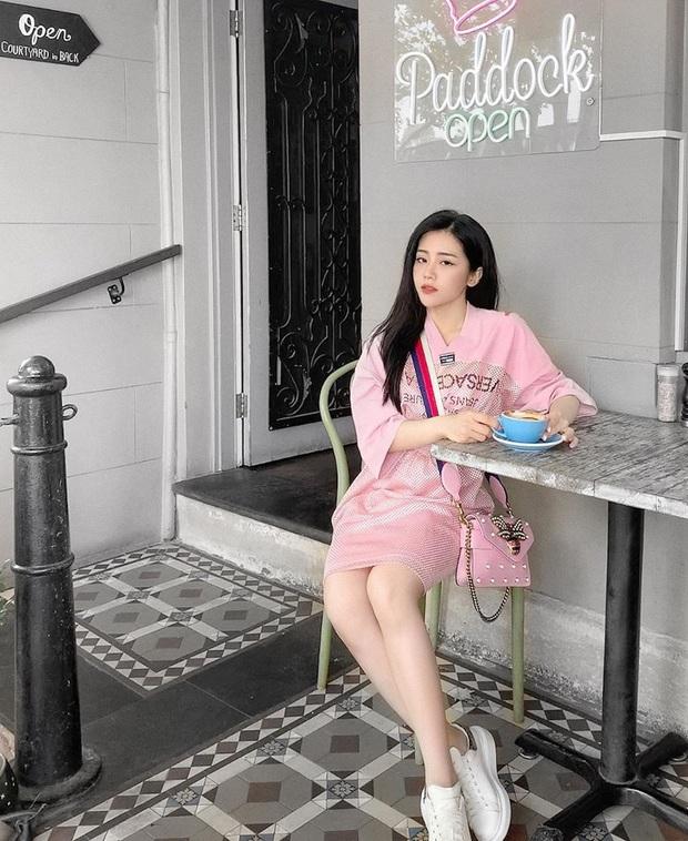 Em chồng Đông Nhi: Diện áo dài hồng ngọt ngào, tay xách túi hơn 100 triệu nhưng nhan sắc tuổi 30 mới là điều dân tình ngưỡng mộ nhất - Ảnh 8.