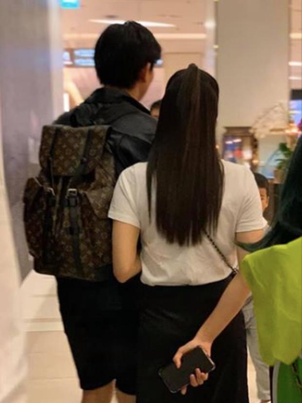 Tim và Trương Quỳnh Anh lại gây hoang mang tột độ: Sánh đôi đi Thái du lịch sau tuyên bố không còn chung nhà - Ảnh 2.