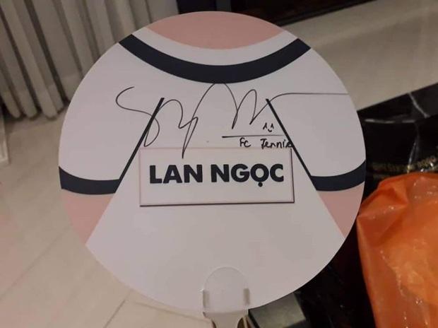 Ninh Dương Lan Ngọc đúng chuẩn fangirl của Jennie: say sưa hát SOLO phiên bản mất gốc; livestream tặng card Jennie, Jisoo cho fan - Ảnh 3.
