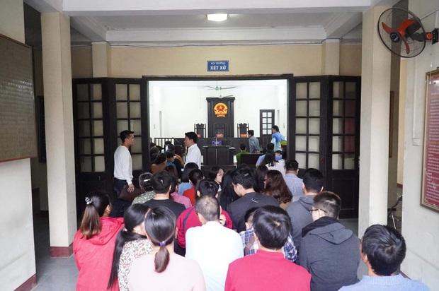 Giang hồ mạng Khá Bảnh bị tuyên 10 năm 6 tháng tù giam, truy thu gần 5 tỷ đồng - Ảnh 4.