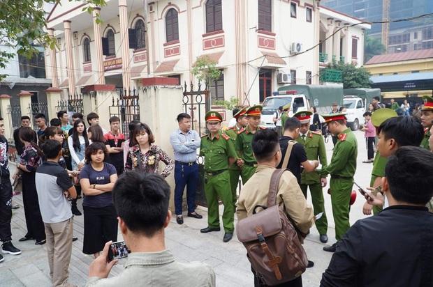 Giang hồ mạng Khá Bảnh bị tuyên 10 năm 6 tháng tù giam, truy thu gần 5 tỷ đồng - Ảnh 1.