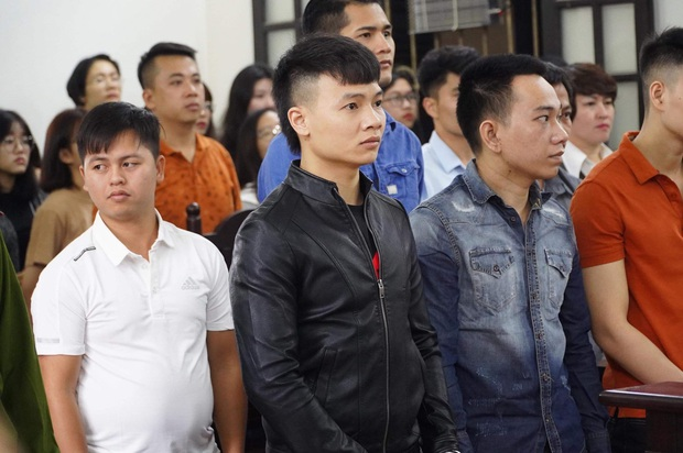 Giang hồ mạng Khá Bảnh bị tuyên 10 năm 6 tháng tù giam, truy thu gần 5 tỷ đồng - Ảnh 10.