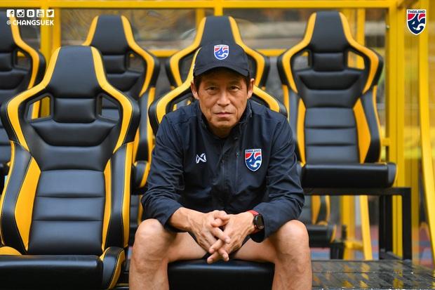 Kỳ phùng địch thủ của thầy Park được xin miễn cách ly 14 ngày khi nhập cảnh Thái Lan - Ảnh 1.