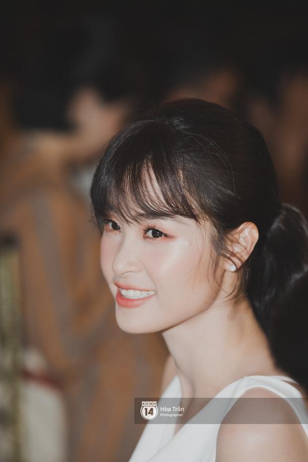 Hậu đám cưới thế kỷ, Đông Nhi tiết lộ sụt 1,5kg nhưng vẫn xuất hiện cực xinh bên ông xã Ông Cao Thắng tại tiệc cảm ơn - Ảnh 3.