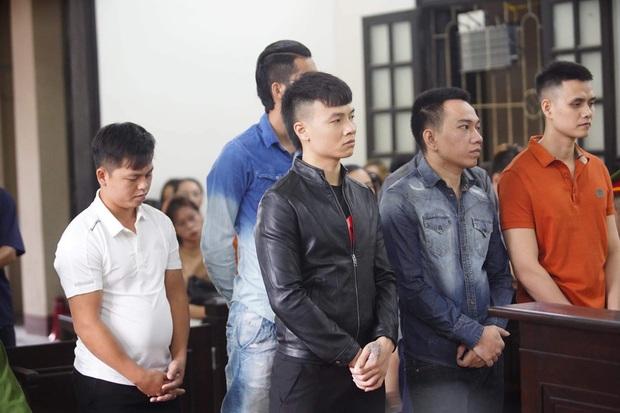 Giang hồ mạng Khá Bảnh bị tuyên 10 năm 6 tháng tù giam, truy thu gần 5 tỷ đồng - Ảnh 22.
