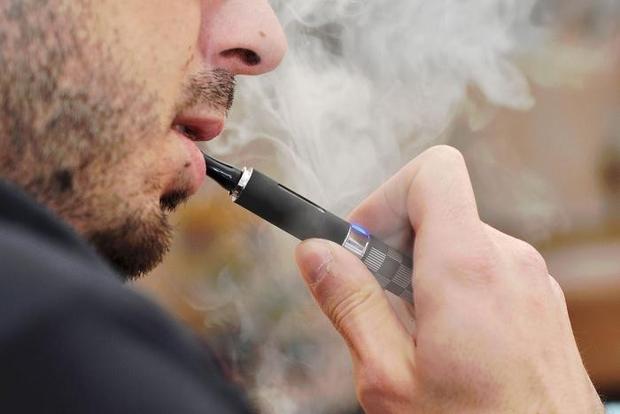 Mỹ: Nam thiếu niên phải ghép phổi do sử dụng thuốc lá điện tử - Ảnh 1.