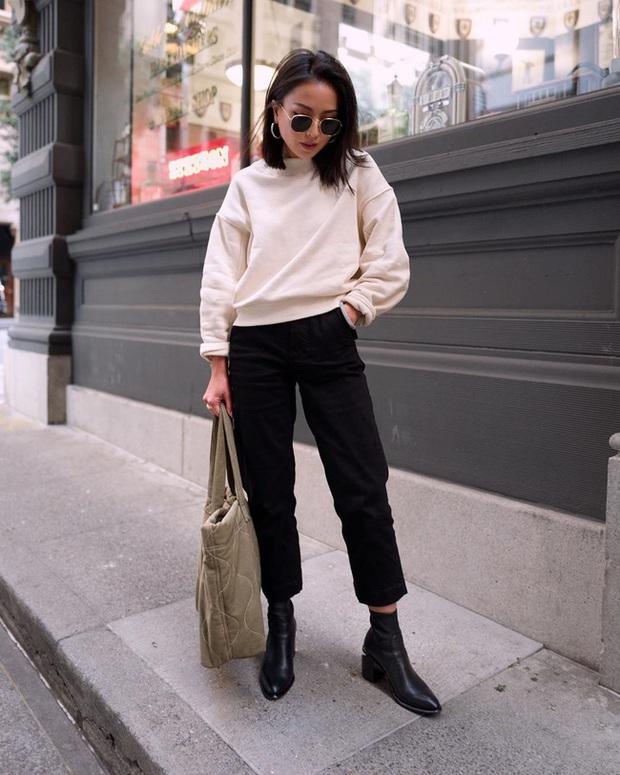Ngắm street style châu Á tuần qua để găm loạt bí kíp diện áo len to sụ siêu xinh cho ngày trở rét - Ảnh 9.