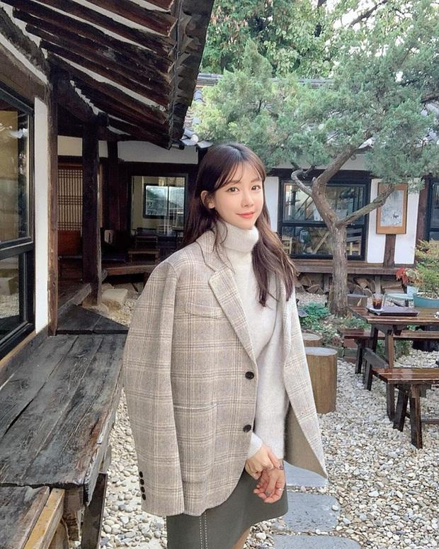 Ngắm street style châu Á tuần qua để găm loạt bí kíp diện áo len to sụ siêu xinh cho ngày trở rét - Ảnh 10.