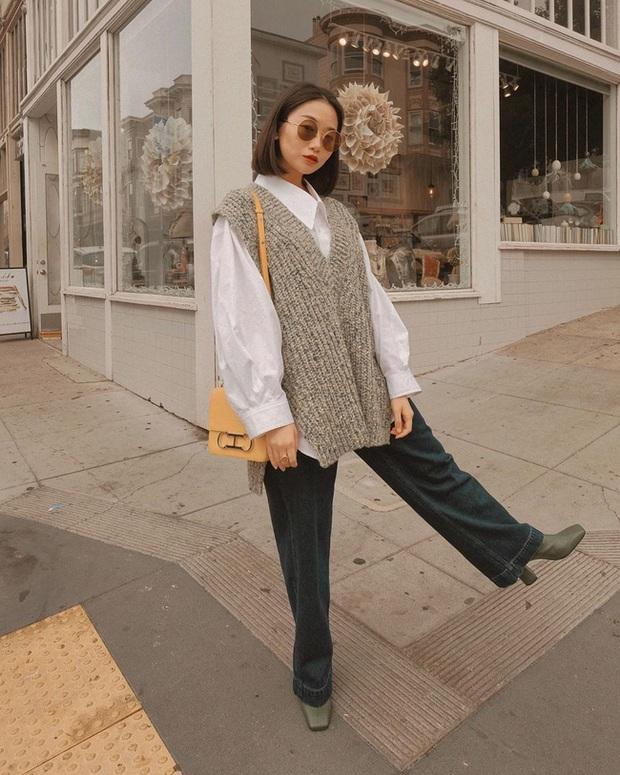 Ngắm street style châu Á tuần qua để găm loạt bí kíp diện áo len to sụ siêu xinh cho ngày trở rét - Ảnh 12.