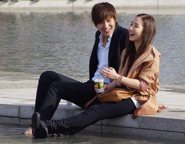 Những cặp đôi phim giả tình thật thảm nhất châu Á: Song Hye Kyo bị réo gọi tận 2 lần, nhưng khổ nhất là Châu Du Dân - Ảnh 10.