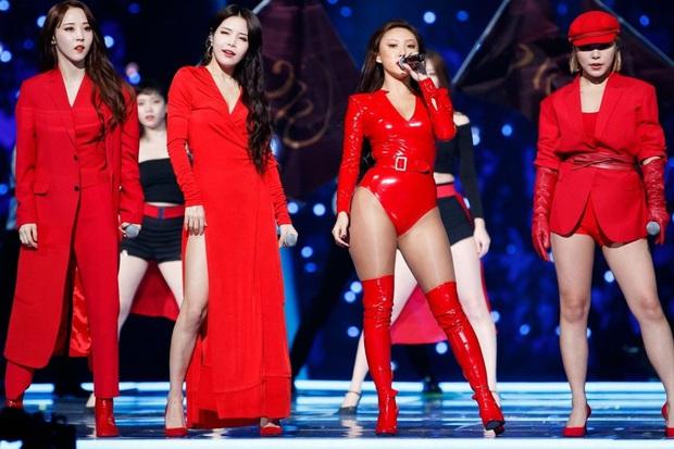 MAMAMOO phân thân thành 16 phiên bản khác nhau, dằn mặt anti cực gắt về scandal phục trang hở hang trong MV mới - Ảnh 3.