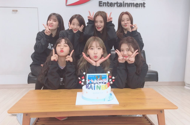 Không phải 2NE1 hay T-ARA, nhóm nữ với châm ngôn không giật bồ nhau tái hợp nhân kỉ niệm 10 năm ra mắt với MV ý nghĩa khiến fan cảm động - Ảnh 2.
