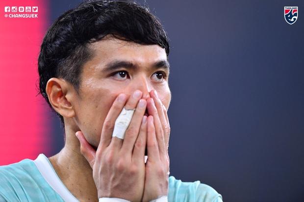 Malaysia ngược dòng thắng Thái Lan, giúp Việt Nam lên đầu bảng - Ảnh 5.