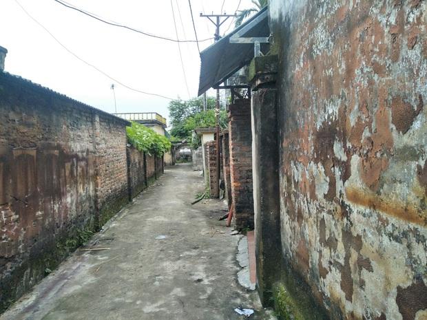 Vụ chồng giết vợ rồi quấn chăn đốt xác ngay trong nhà ở Thái Bình: Ông bà vừa ra khỏi nhà, nó liền khóa cửa và làm điều ác - Ảnh 1.
