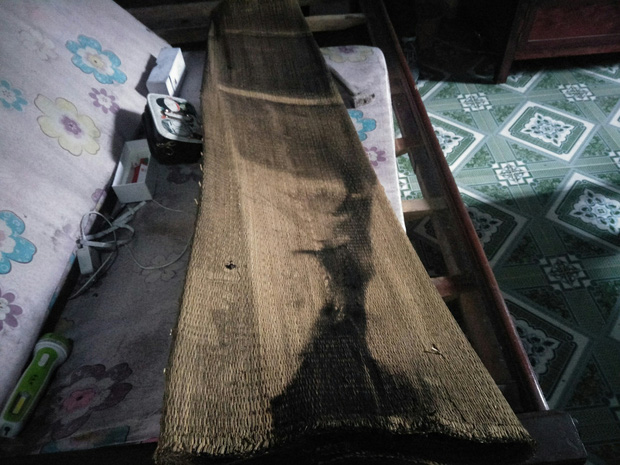 Vụ chồng giết vợ rồi quấn chăn đốt xác ngay trong nhà ở Thái Bình: Ông bà vừa ra khỏi nhà, nó liền khóa cửa và làm điều ác - Ảnh 4.