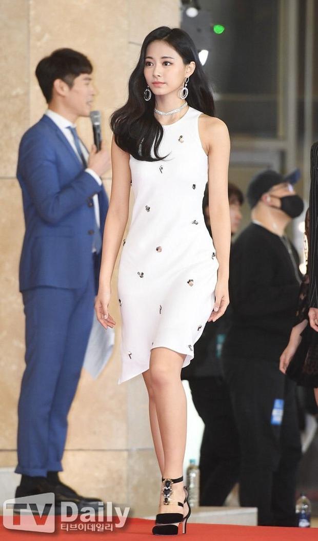 Đây là dàn nữ thần Kbiz sắp khiến thảm đỏ AAA 2019 ở Việt Nam nổ tung: Yoona, Thư ký Kim hay thiên thần lai đỉnh hơn? - Ảnh 13.
