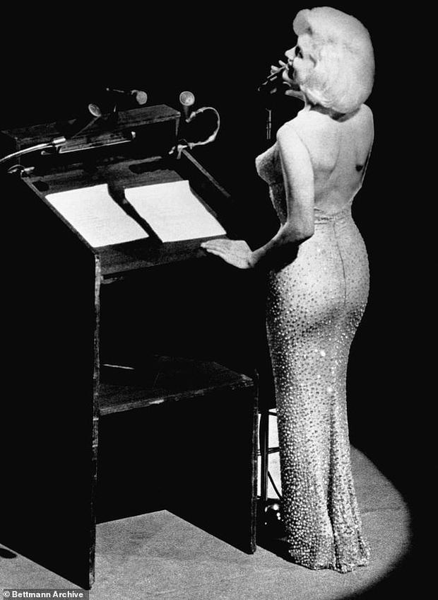 Tiết lộ bất ngờ về Marilyn Monroe tại sinh nhật Tổng thống Mỹ Kennedy - Ảnh 3.