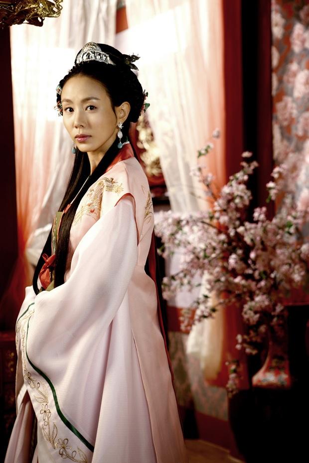 Chớp mắt thấy Chuyện Xảy Ra Ở Bali đã chiếu được 15 năm: Ha Ji Won giữ mãi thanh xuân, nam thần Châu Á So Ji Sub già nua chấn động - Ảnh 20.