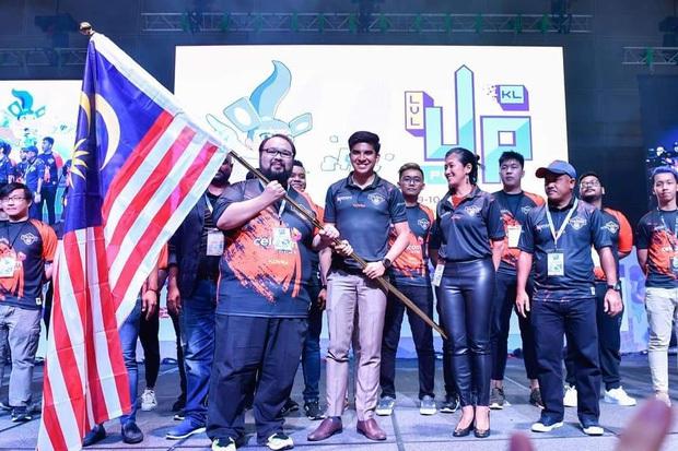 Bộ trưởng đẹp trai, trẻ tuổi nhất lịch sử Malaysia hi vọng đoàn Esports sẽ thay đổi định kiến người dân nước nhà - Ảnh 1.