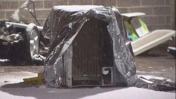 Bé gái 2 tuổi tử vong thương tâm sau khi bị máy điều hòa không khí rơi từ tầng 8 xuống trúng người - Ảnh 1.