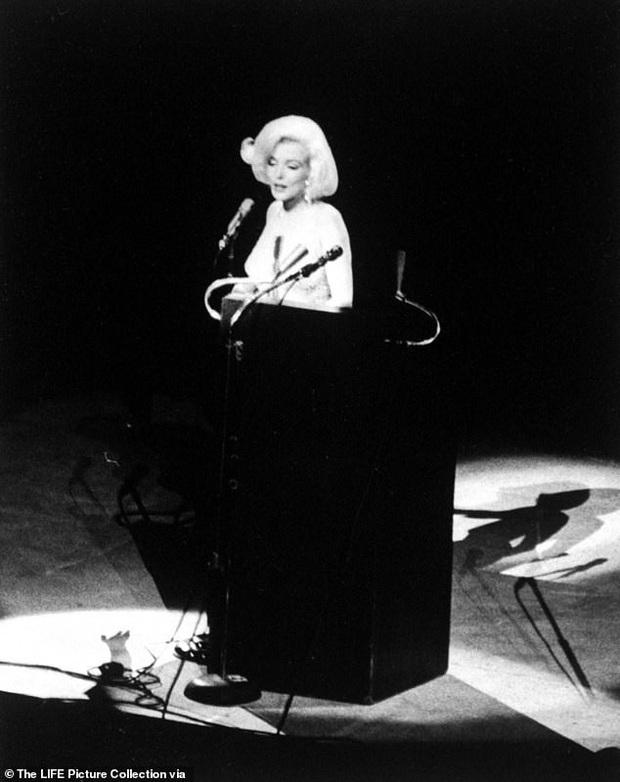 Tiết lộ bất ngờ về Marilyn Monroe tại sinh nhật Tổng thống Mỹ Kennedy - Ảnh 1.