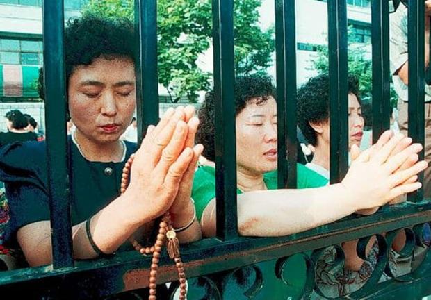 Chẳng phải bây giờ, sĩ tử Hàn Quốc của thập niên 90 đã phát sốt với kỳ thi Đại học như thế này đây - Ảnh 5.