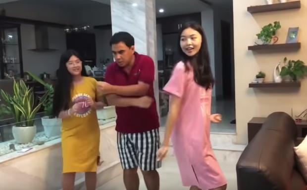 Lọ Lem - con gái MC Quyền Linh xinh muốn xỉu trong clip dạy nhảy cho ba, để lộ mình là fan K-pop chính hiệu! - Ảnh 4.