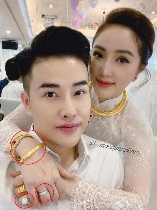 Ngắm trang sức đắt tiền của Bảo Thy trong hôn lễ sáng nay: Kim cương siêu to khổng lồ, vàng đầy cả tay - Ảnh 1.