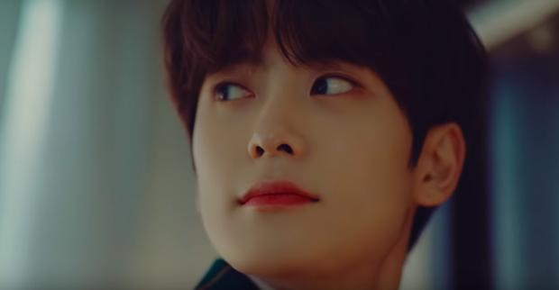 SM chơi lớn cho ra SMTOWN Winter 2019, idol điển trai bậc nhất công ty xuất hiện trong teaser ngập tràn không khí Giáng sinh - Ảnh 4.