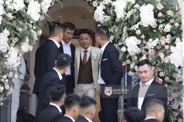 """Gia đình Thế Bảo - Trang Pilla rạng rỡ trong ngày cưới Bảo Thy, dặn dò cô út """"không buồn, không khóc nhè nhé!"""" - Ảnh 2."""