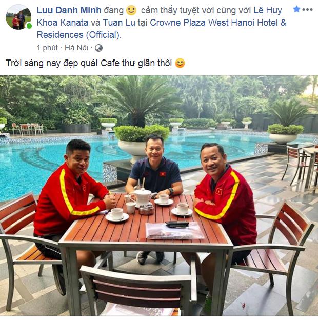 Các nàng WAGs xinh đẹp thi nhau chúc mừng tuyển Việt Nam, trầm trồ với bàn thắng quá đỉnh của Tiến Linh - Ảnh 3.