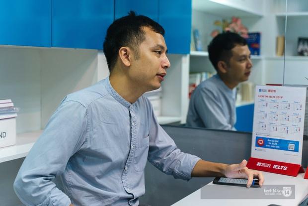 Thầy Tú Phạm 9.0 Speaking: Đạt 6.5 IELTS không khó, chỉ có điều học sinh Việt Nam giỏi mỗi khoanh ABCD, câu này đúng câu kia sai còn khả năng vận dụng bằng 0 - Ảnh 4.