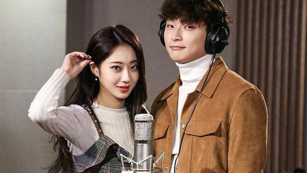 Idol bốc lửa Kyungri (9MUSES) tiết lộ cách hâm nóng tình cảm với Jinwoon (2AM) dù bạn trai đang nhập ngũ - Ảnh 1.