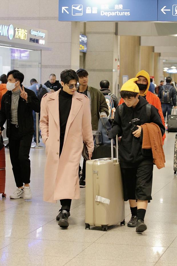 Noo Phước Thịnh bảnh bao tại sân bay Hàn, sẵn sàng bùng nổ cùng PSY, BoA và dàn sao Kbiz trong lễ trao giải khủng - Ảnh 3.