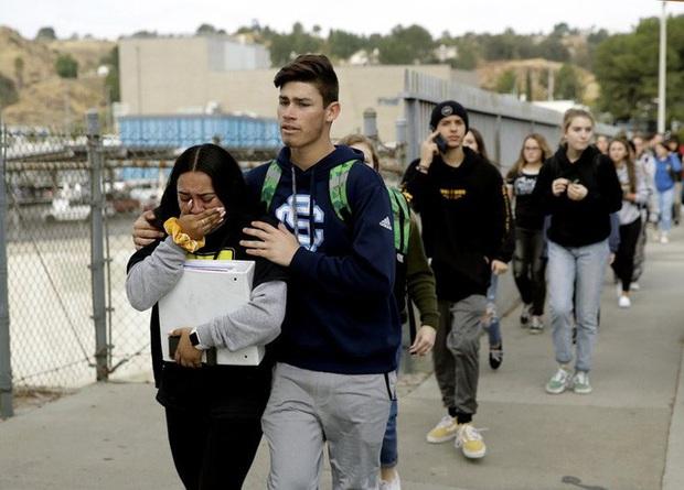 Mỹ: Học sinh gốc Á xả súng ở California, dùng viên đạn cuối tự sát - Ảnh 1.