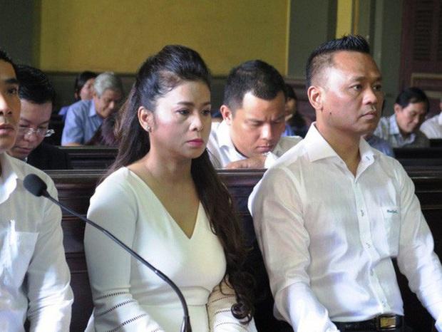 Ông Đặng Lê Nguyên Vũ bất ngờ xin xử kín sau khi bà Lê Hoàng Diệp Thảo muốn xử công khai để hàn gắn tình cảm - Ảnh 2.