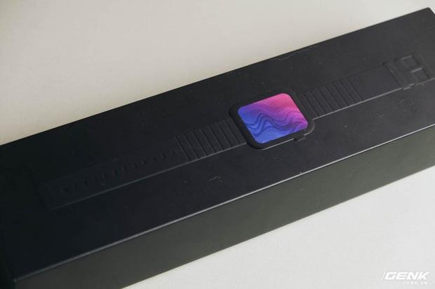 Trên tay Xiaomi Mi Watch: Chiếc Apple Watch của giới Android, nhưng chưa nên mua ở thời điểm hiện tại - Ảnh 1.